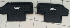 Rear rubber floor mats (black)