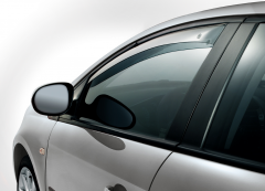 Front anti-turbulence deflectors for windows for Fiat