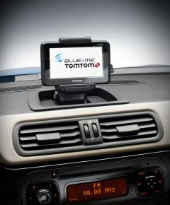 Blue and Me TomTom 2 Live car navigation